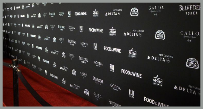 Glare-Free Step and Repeat Banner
